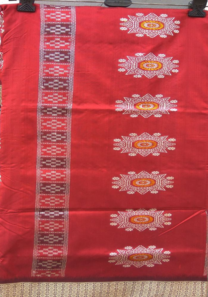 Handwoven beutiful Bomkai body designed pata saree